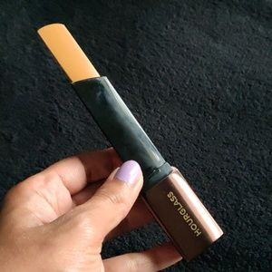 Hourglass Stick foundation: golden tan